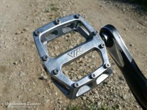 DMR-V12-Pedal