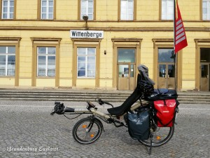 Azub Six Liegerad am Bahnhof Wittenberge